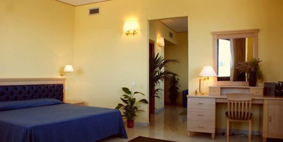 hotel-yacht-hotel-pantelleria