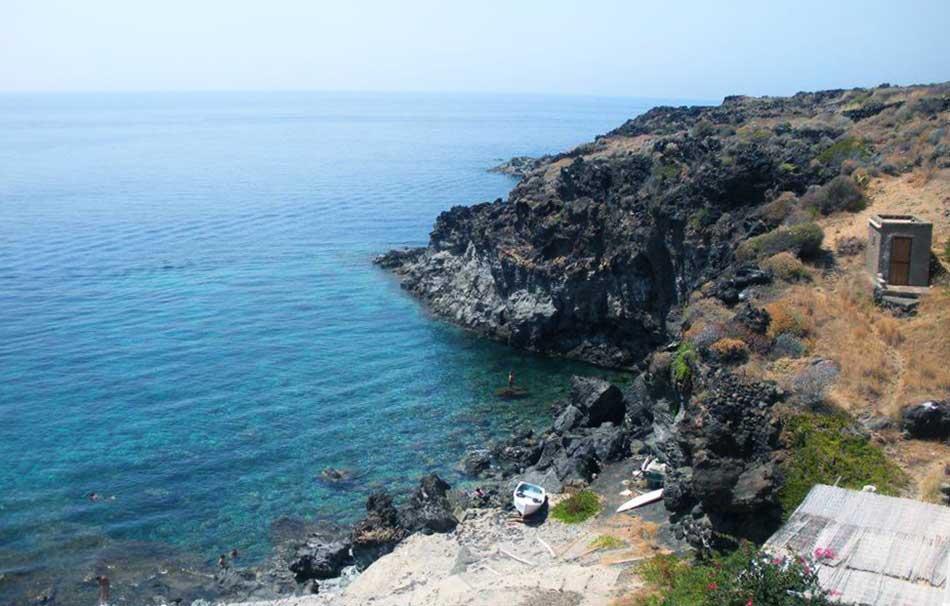 Pantelleria spiagge for Cabine dell isola di buggs
