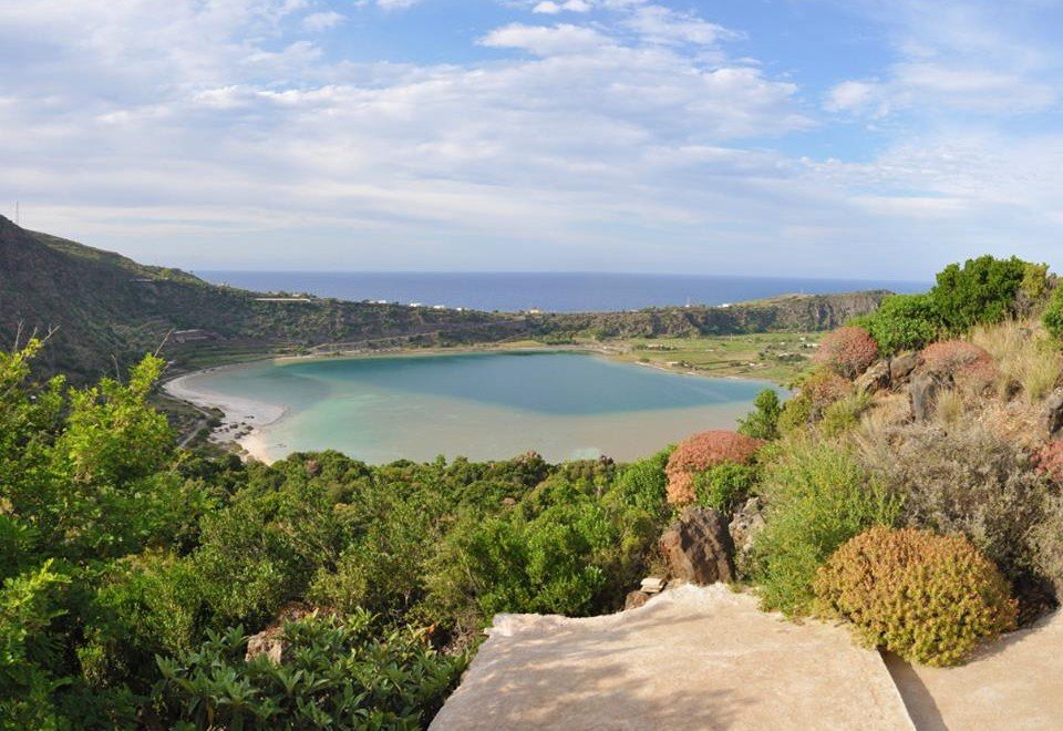 Case Di Pietra Pantelleria : Home dammusi di pietra