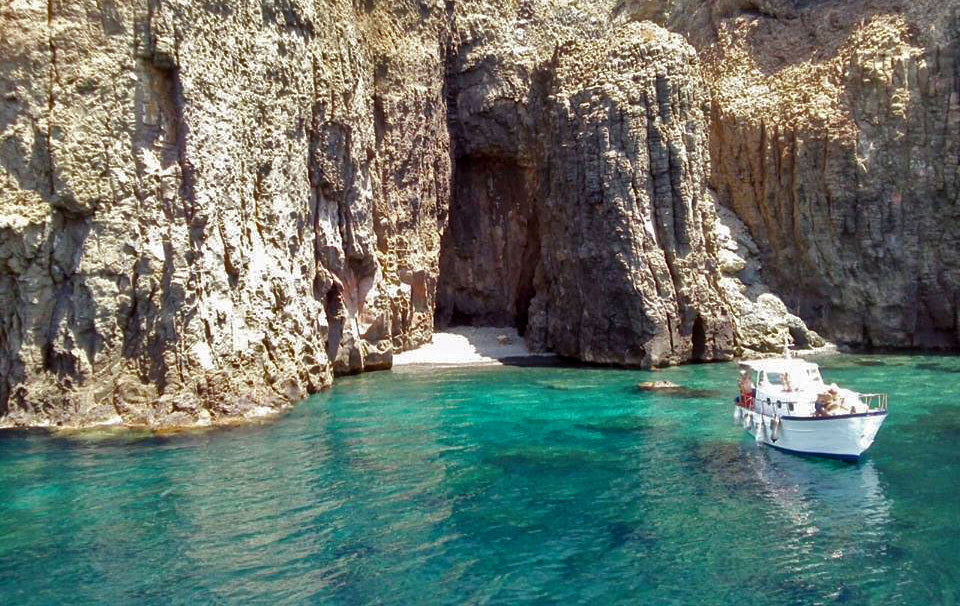 giro-isola-in-barca-pantelleria