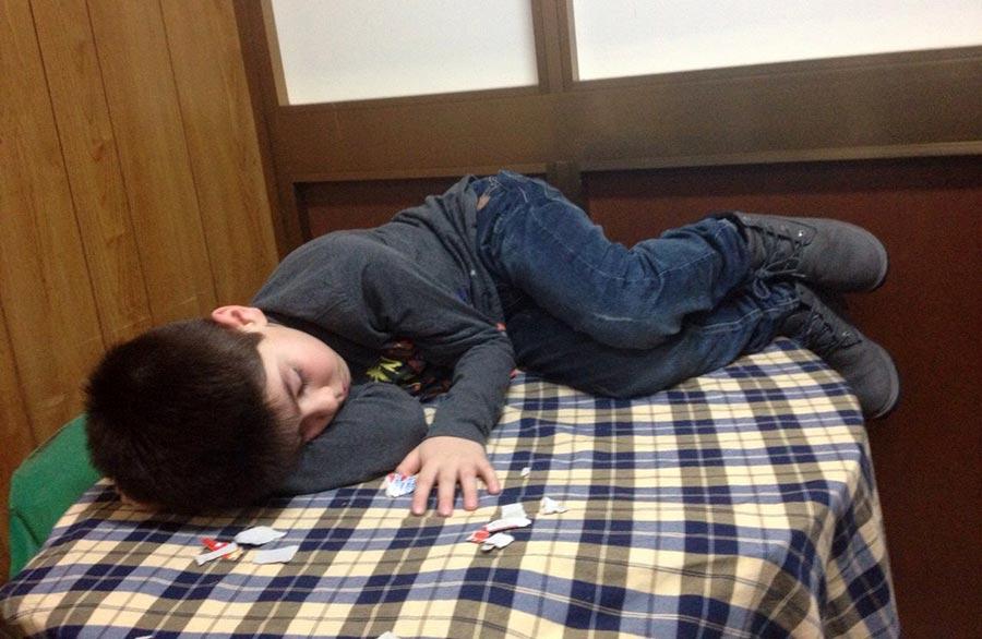 bambino-dorme-circolo