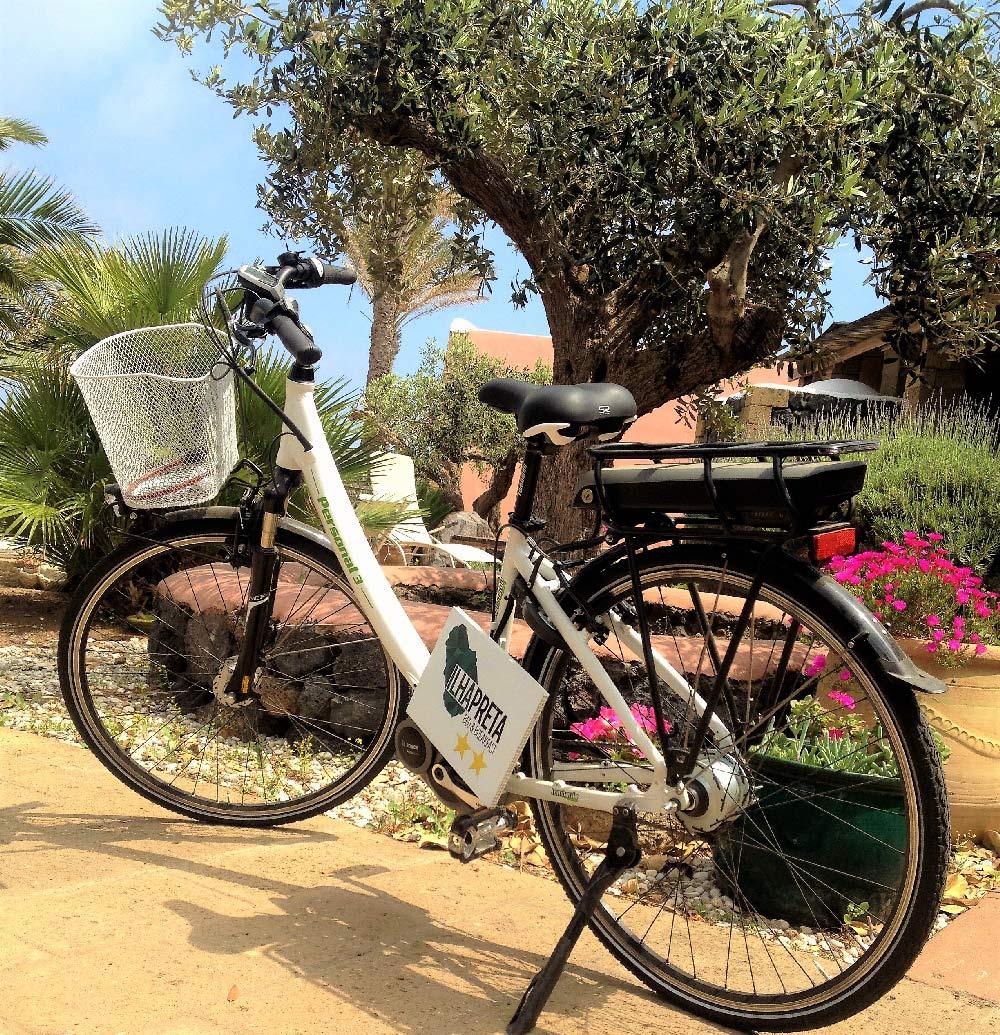 Noleggio biciclette elettriche a Pantelleria: l'E-bike di Ilha Preta
